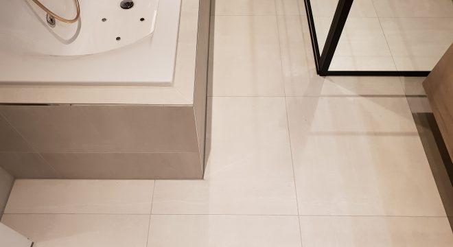Luxe badkamer Surhuisterveen - Verwarmde vloertegels