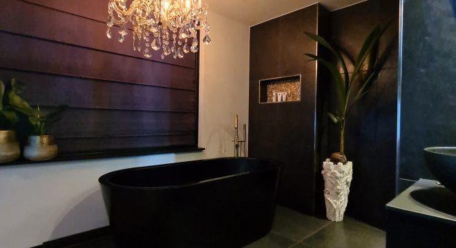 Matzwarte vrijstaand bad